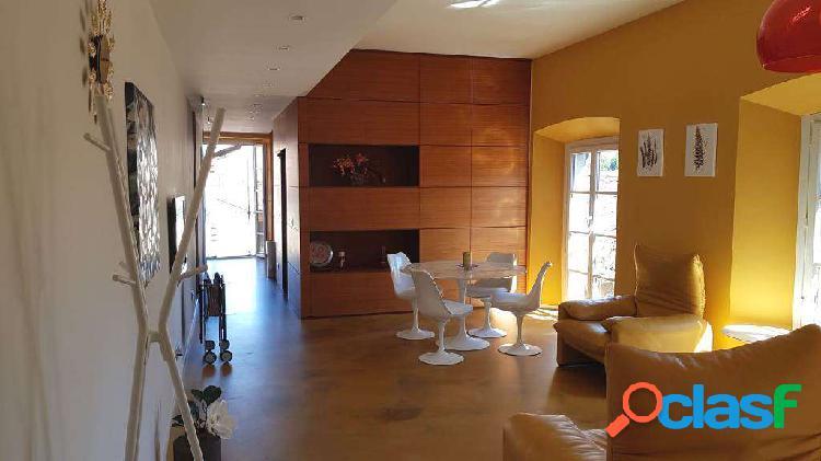Luminoso appartamento con finiture di pregio