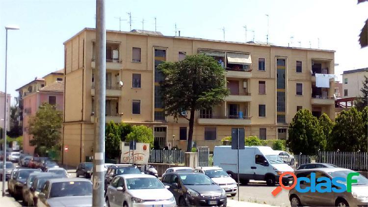 Appartamento con posto auto a via della salle