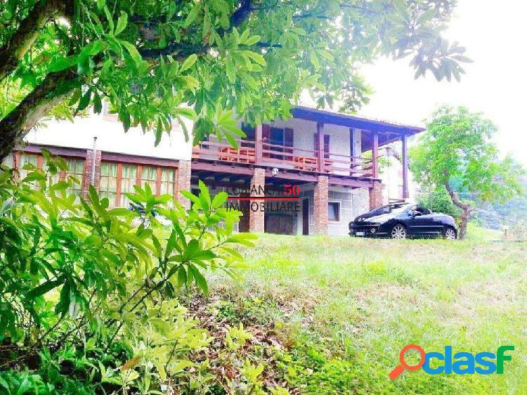 Baveno, villa a pochi passi dal lungo lago