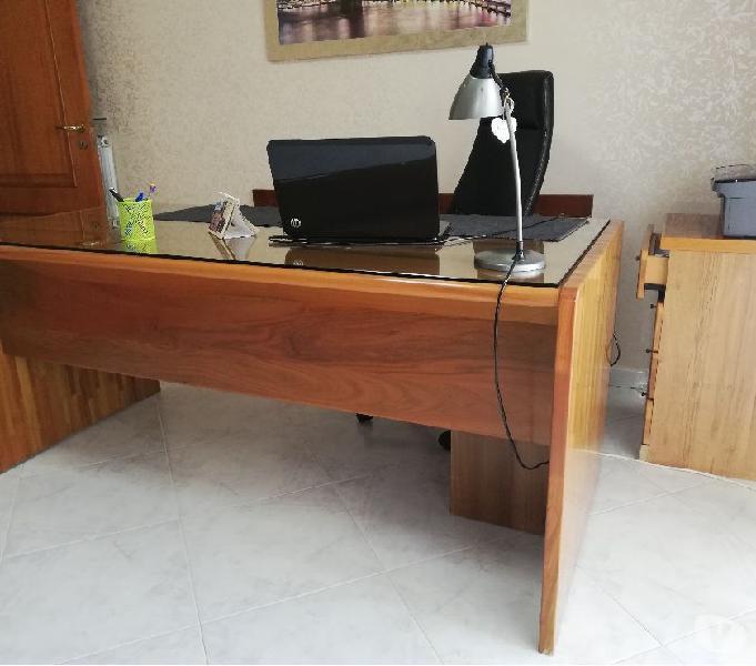 Soggiorno e scrivania