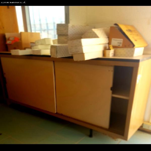 scaffale e cassettiera in metallo