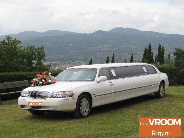 Lincoln navigator lincoln town car limousine
