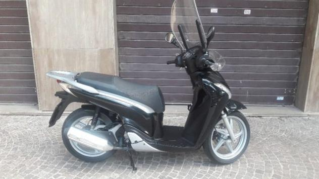 Honda sh 150 honda sh 150 rif. 12200016