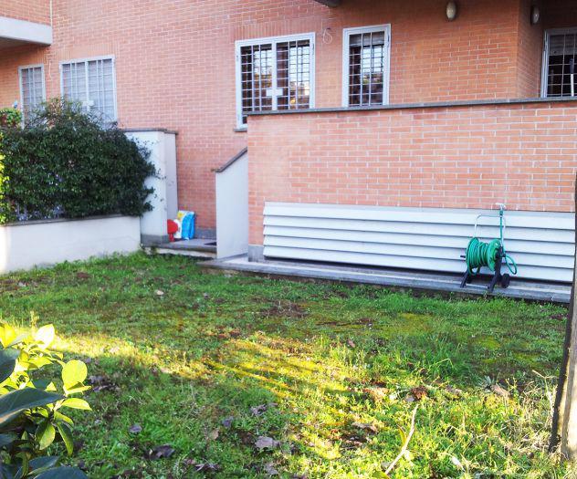 Ostia 3 locali 5 posti letto con ampio giardino vicino metro
