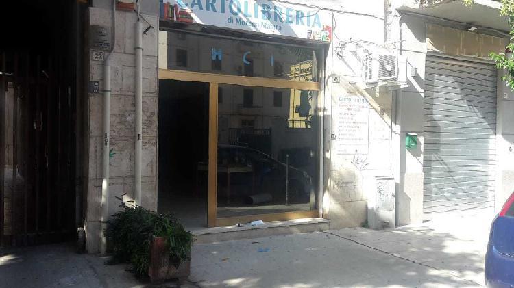 Locale commerciale - 1 Vetrina a Palermo