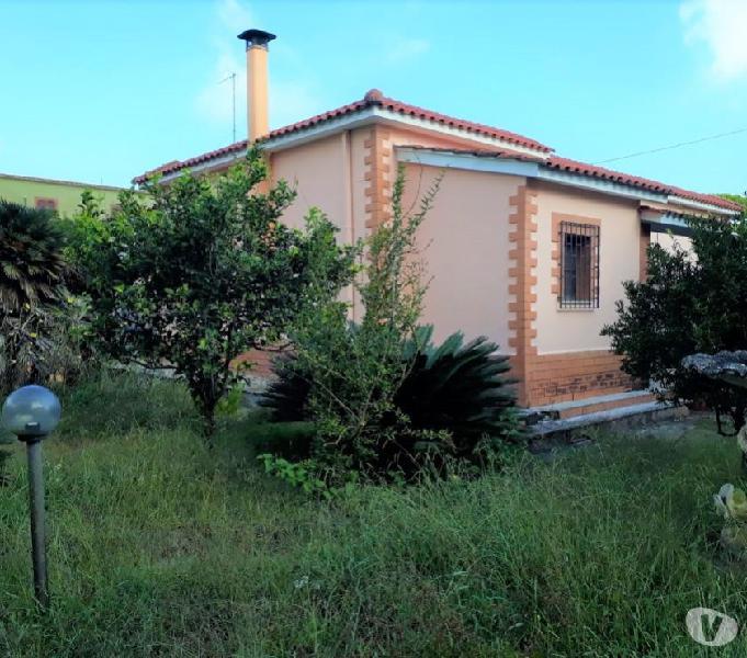 Villa unifamiliare con giardino a 500 mt dal mare