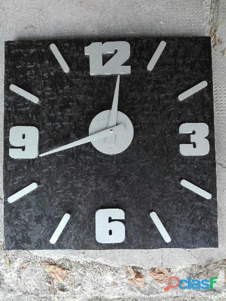 Orologio parete in carbonio, pezzo unico