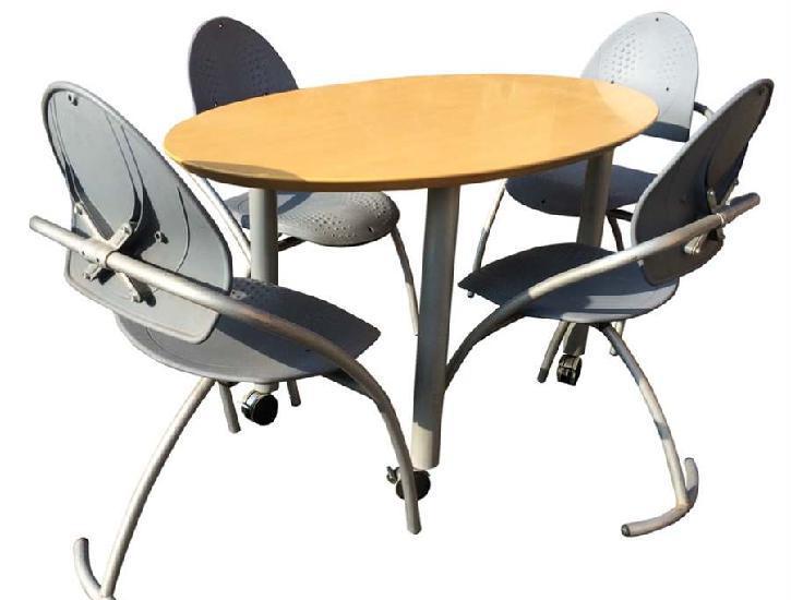 Tavolo ufficio e relative sedie