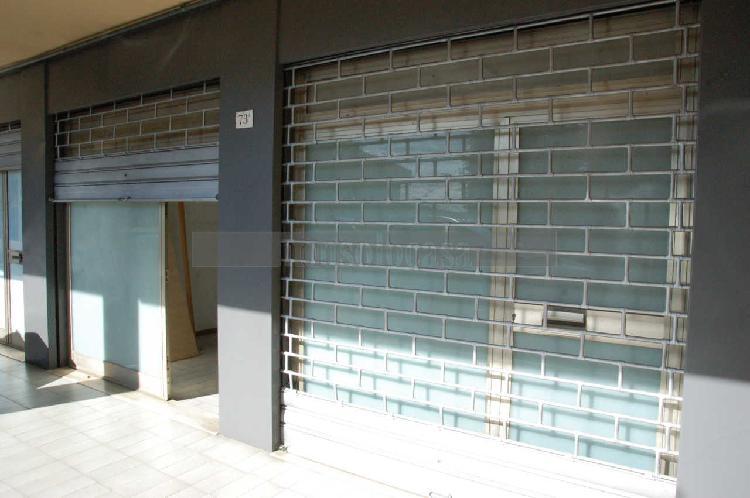 Locale commerciale - 2 Vetrine a Ponte San Giovanni, Perugia