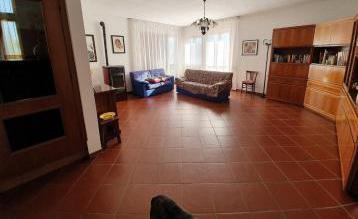 Villa Angolare Comeana