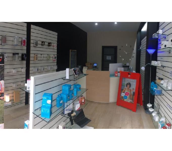 Cedesi attività di vendita e riparazione smartphone e pc