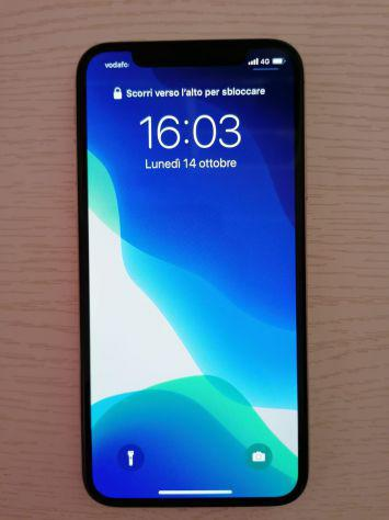 Vendesi iPhone X 256 gb silver come nuovo