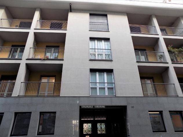 Signorile quadrilocale con balconi nel centro storico di