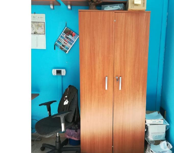 Arredamento ufficio usato ottimo stato (prezzo trattabile)