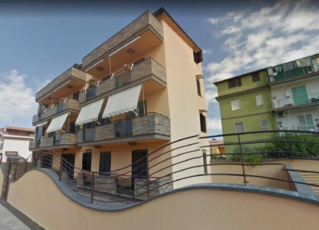 Appartamento di 110 m² con 3 locali e box auto in vendita a