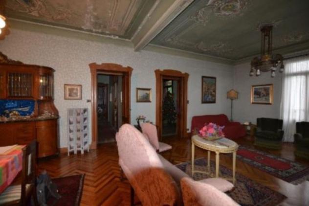 Villa di 568 m² con più di 5 locali in vendita a piverone
