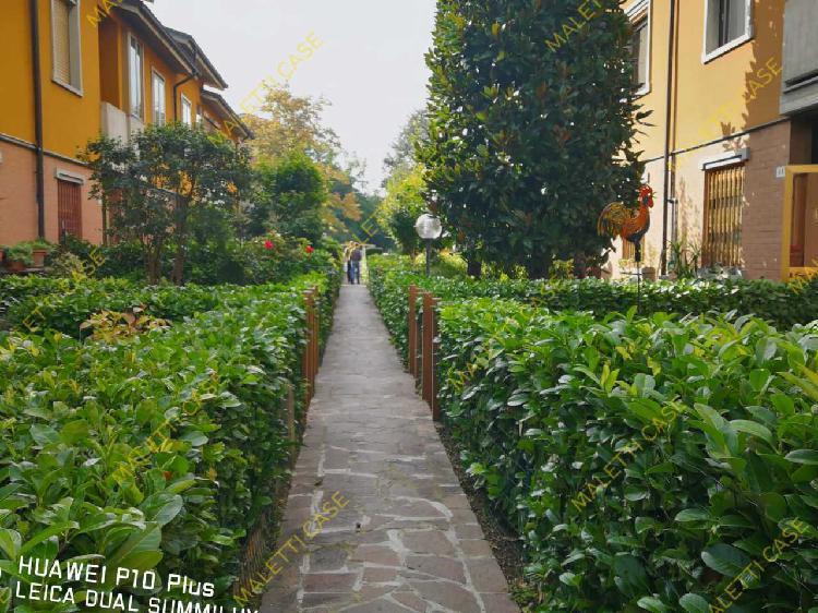 Indipendente - villa a modena