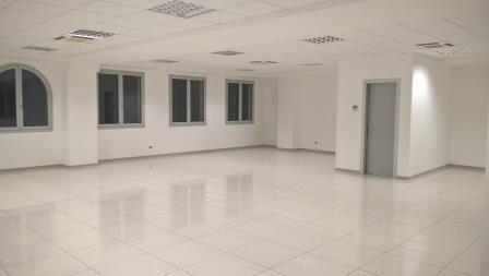 Affittasi uffici, spazi artigianali e commerciali