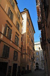 Centro storico montecitorio silenzioso bilocale mq 30