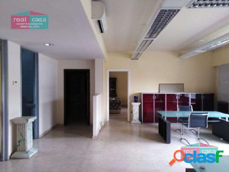 Locale uso Laboratorio con Uffici a Modena