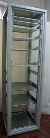 """Armadio rack 19"""" 45u completo di mensole"""
