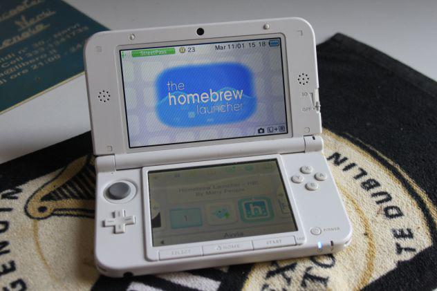 Nintendo 3ds xl (luna3ds fbi godmode homebrew)