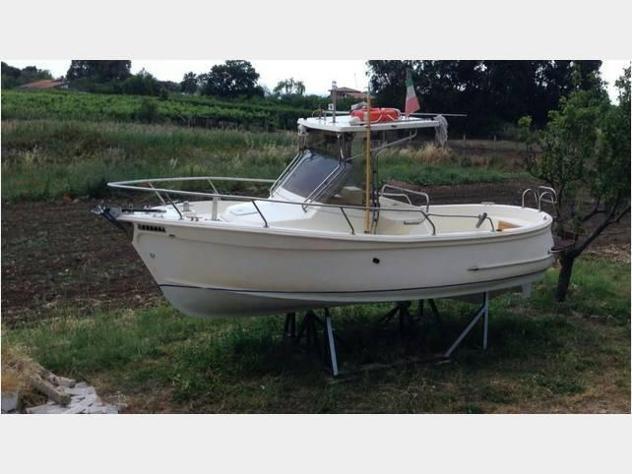 Barca a motoretripesce hippi anno1997 lunghezza mt6