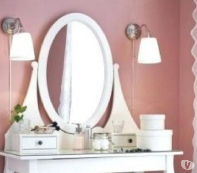 Toletta ikea bianca legno con specchio