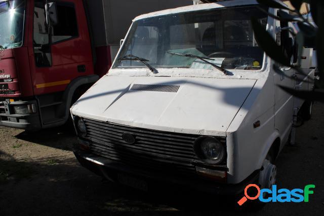 Iveco iveco daily diesel in vendita a cagliari (cagliari)