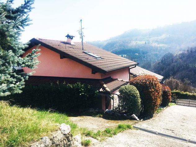 Villa arredata con giardino e posto auto