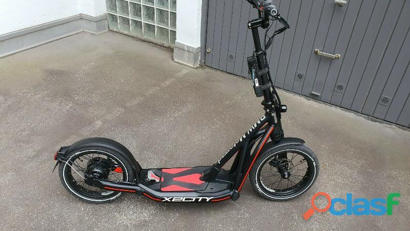 E scooter bmw x2 città