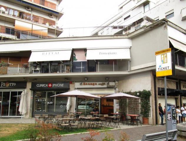 Attività / Licenza di 45 m² con 2 locali in vendita a Roma