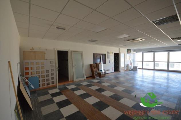 Immobile di 292 m² con 5 locali in vendita a Sovicille