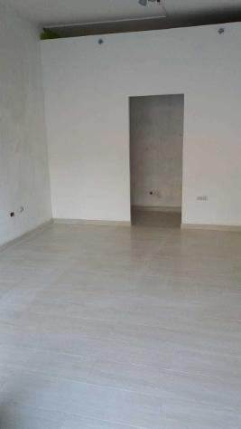 Locale comm.le/Fondo in affitto a NAVACCHIO - Cascina 25 mq