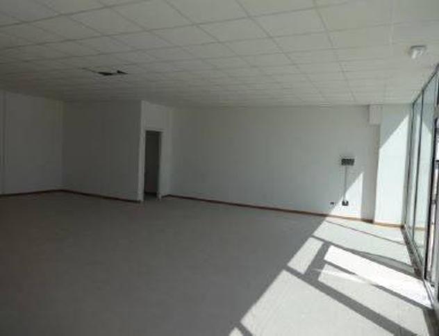Locale comm.le/Fondo in vendita a Cecina 50 mq Rif: 833707