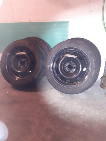 Vendo 4 pneumatici invernali con cerchi