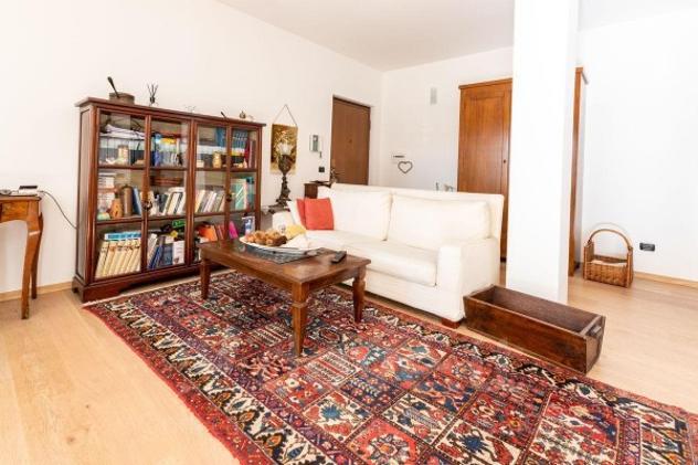 Appartamento di 105 m² con 3 locali e box auto in vendita a