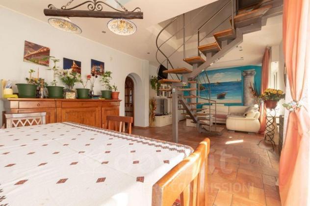 Appartamento di 195 m² con più di 5 locali e box auto in