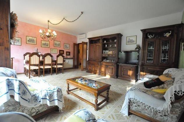 Appartamento in vendita a Cascina 130 mq Rif: 845323