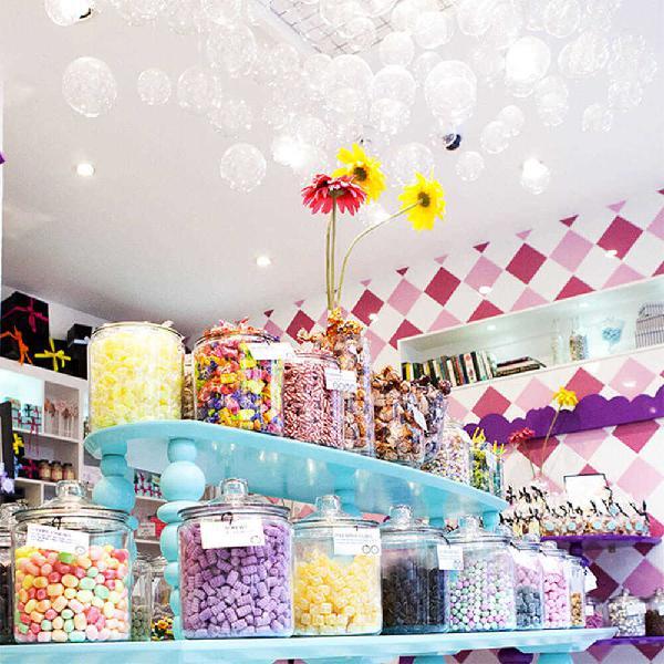 Licenze - Rivendita dolciumi - tutto per la festa a Cecina
