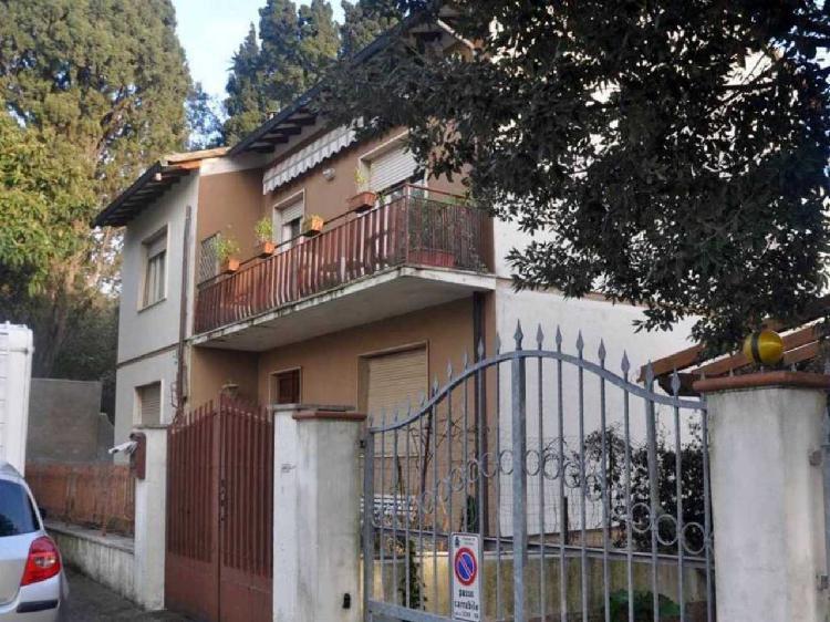Villa d'epoca a Cecina