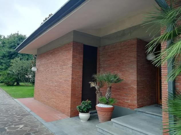 Villa singola in affitto a LAMMARI - Capannori 265 mq Rif: