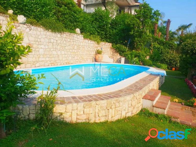 Villa signorile con piscina, Saló 3