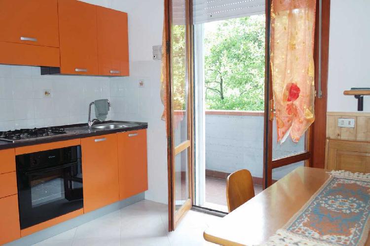 Appartamento a Bonascola, Carrara