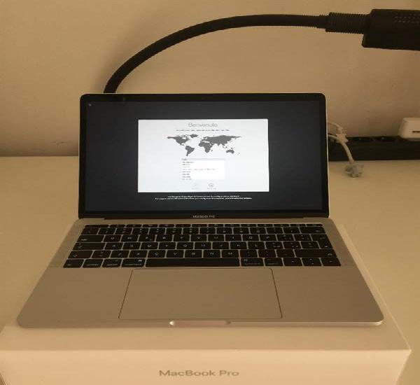Apple Mac Book Pro 13 con accessori