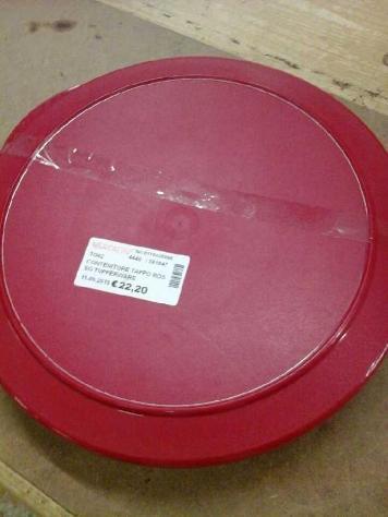 Contenitore tappo rosso tupperware