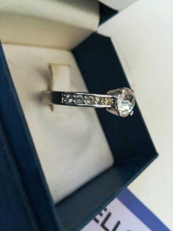 Swarovski anello