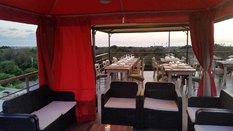 Bar Ristorante a Torre Del Lago Puccini, Viareggio
