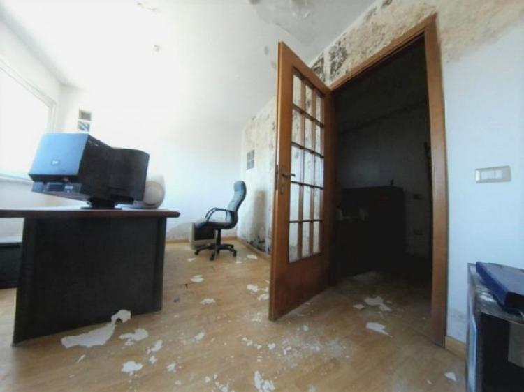 Ufficio in discrete condizioni in vendita