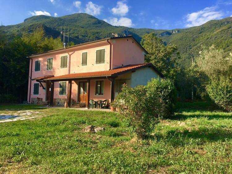 Indipendente - Casale a Camaiore